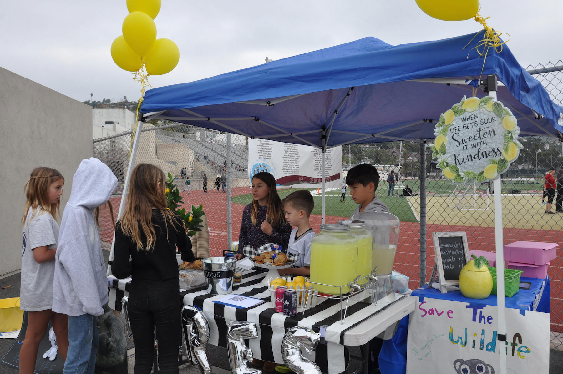 El Morro students raise money