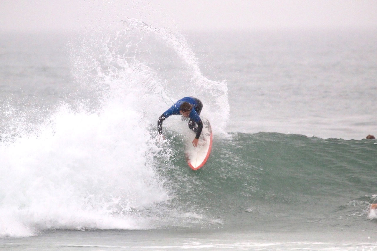 Surf team four Sam Nelsen